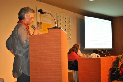 Heleni Porfyriou proferindo a palestra Preserving Places. Monitoring mass tourism in historic centres. Março/ 2011.